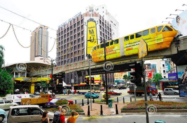 malaysia-kuala-lumpur-monorail-at-intersection