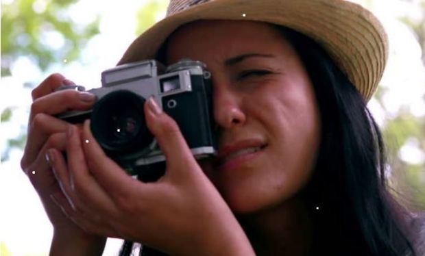 woman-camera-focusing-bird-watchers-guide-smaller